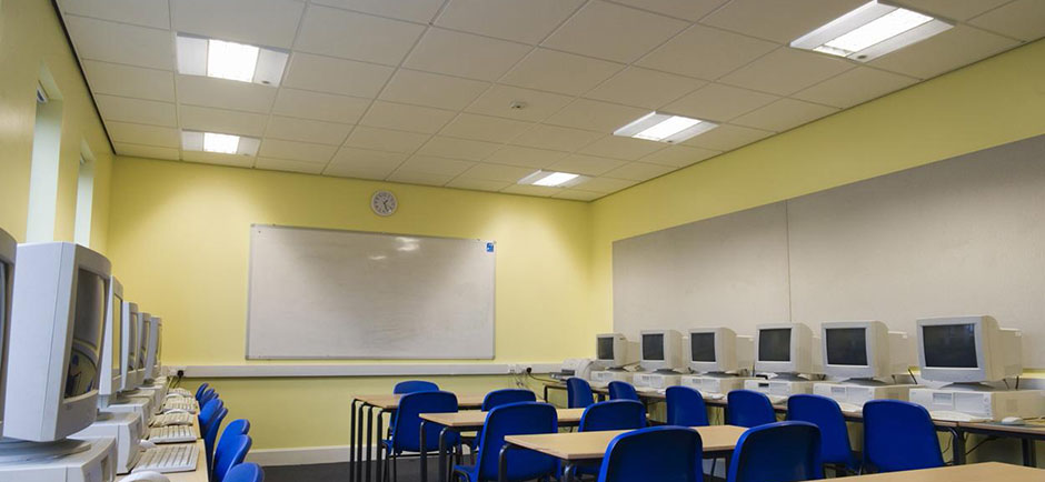 Gedina ceiling system from Ecophon seen in a classroom.
