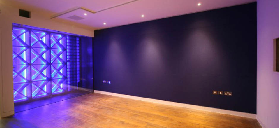 Full fabric acoustic wall in London residential