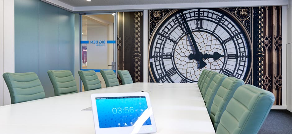Linkedin meeting room with big ben print