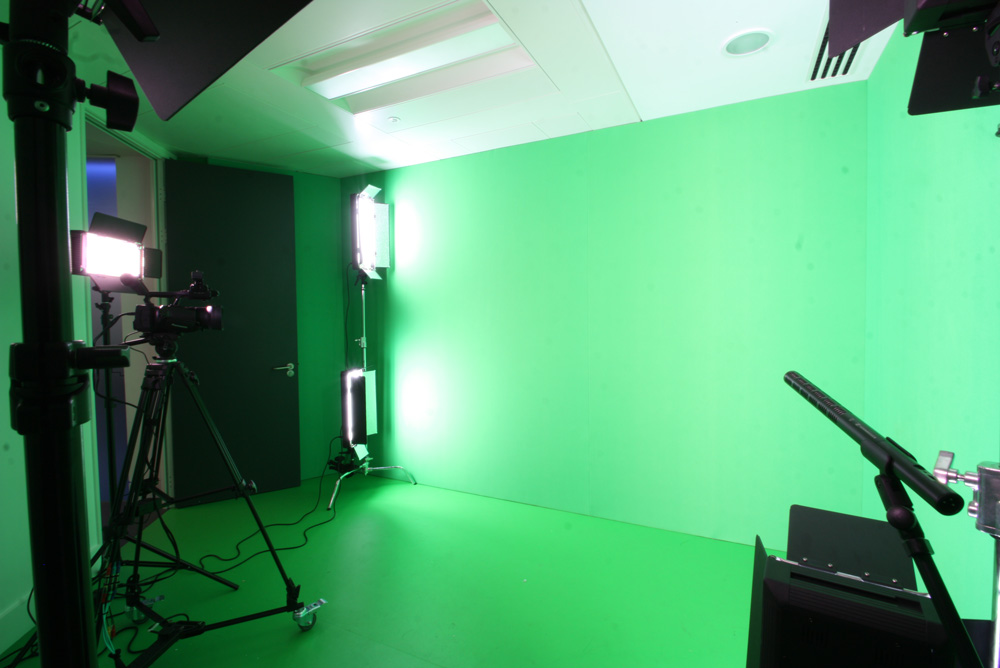 acoustic wall with green screen